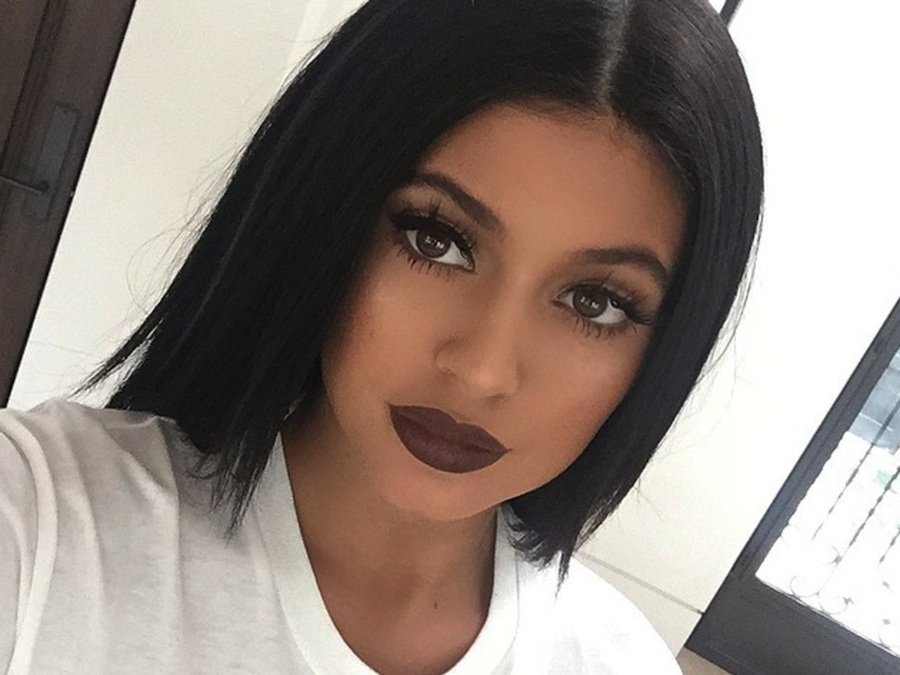 We asked someone to review the Kylie lipkits because surely they're not that good