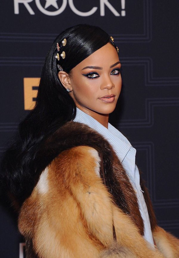 Rihanna makes our day yet again, announces makeup line