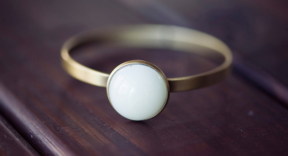 You Can Now Get Your Breast Milk Turned Into Jewellery - Fashion Journal-4732