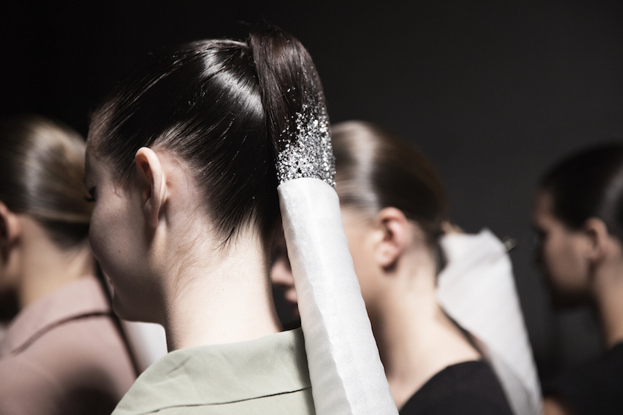 How-to: the glittery ponytail