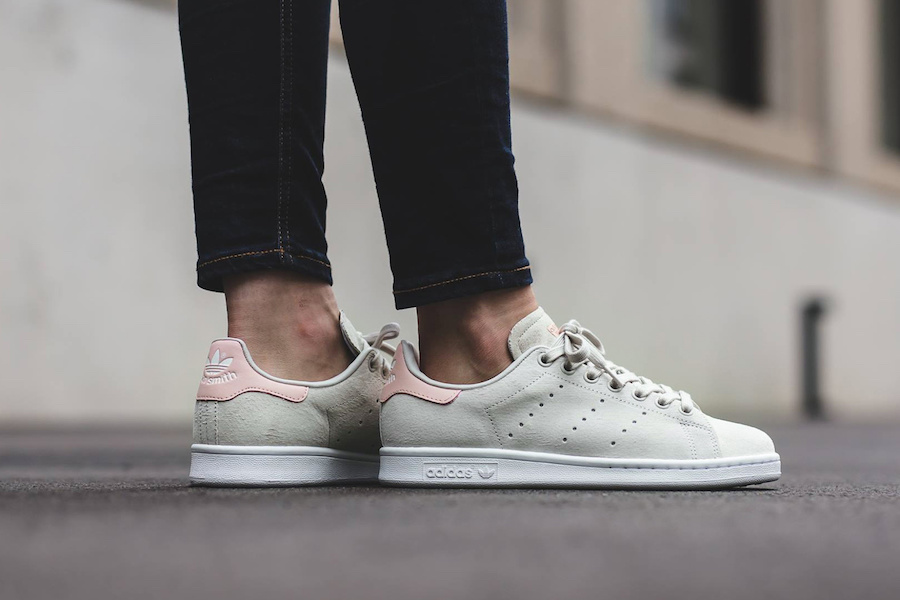 A very aesthetically pleasing muted pink/green Stan Smith is coming