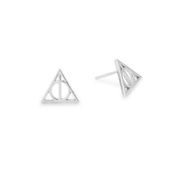 This brand is releasing a line of minimalist Harry Potter jewellery