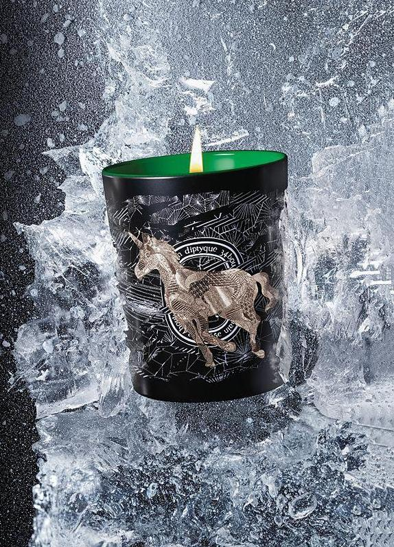 Mecca's released two new candles and they smell just like Christmas