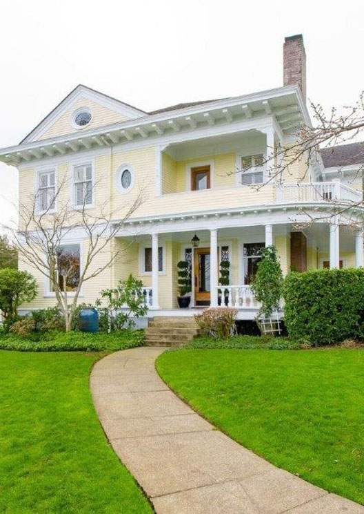 The house from 10 Things I Hate About You is up for sale