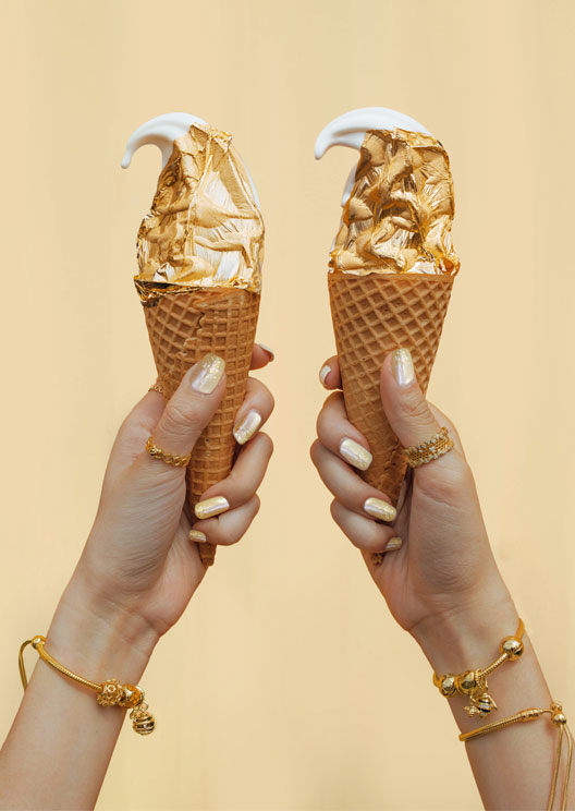 PSA: PANDORA is dishing out free gold ice cream in Sydney this weekend