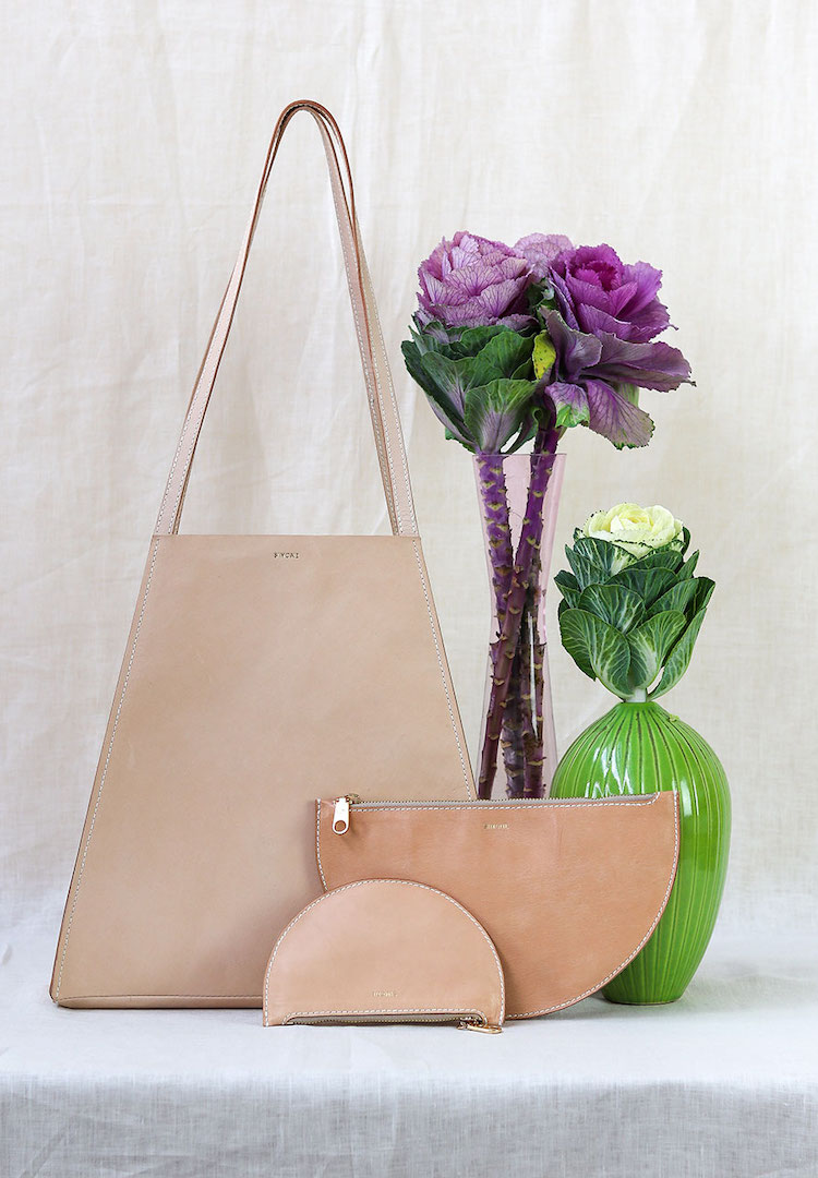 Thanks to Simétrie you can now make your own leather bag or pouch from the comfort of home